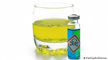 Symbolbild verschmutztes Wasser - verseuchtes Wasser