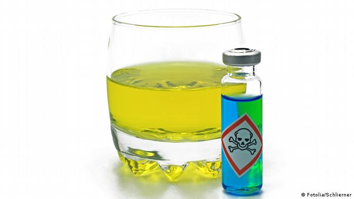 Symbolbild verschmutztes Wasser - verseuchtes Wasser (Fotolia/Schlierner)