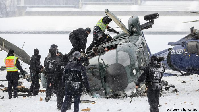 crashed helicopters in Berlin +++(c) dpa - Bildfunk+++