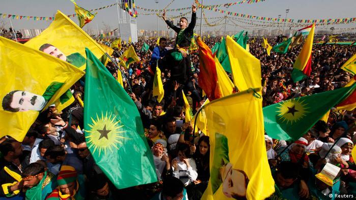 Kurdischer Rebellenführer Abdullah Öcalan ruft Waffenstillstand aus PKK