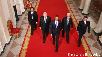Egyptian President Hosni Mubarak, Israeli Prime Minister Benjamin Netanyahu, US President Barack Obama, Palestinian Authority President Mahmoud Abbas, and Jordan's King Abdullah walk toward the East Room of the White House for statements on the first day of the Middle East peace talks, in Washington DC, USA, 01 September 2010. The White House has kicked off a new round of direct peace talks for the Middle East, the first one in more than 18 months. EPA/ALEX WONG / POOL