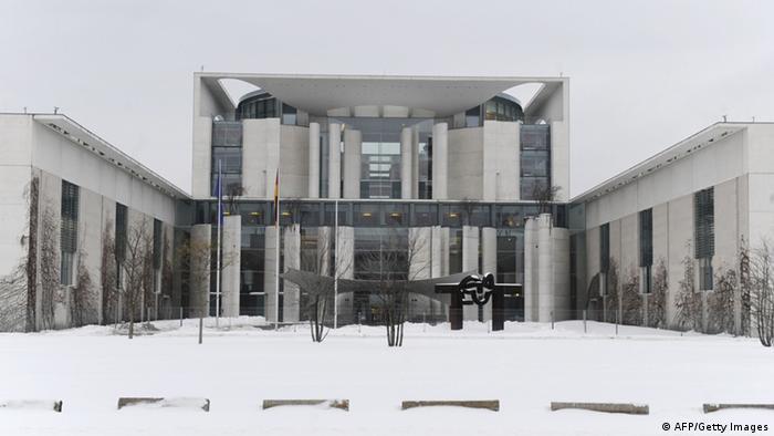 Kanzleramt im Schnee
