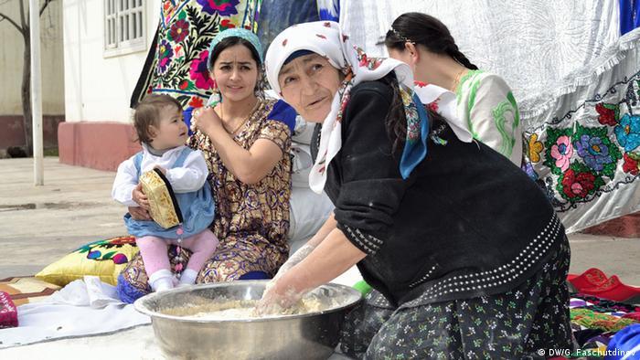 Bildergalerie Tadschikistan feiert Navrus (DW/G. Faschutdinov)