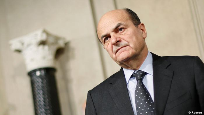 Italy's PD (Democratic Party) leader Pierluigi Bersani looks on during a news conference following a meeting with Italian President Giorgio Napolitano at the Quirinale Presidential palace in Rome March 22, 2013. REUTERS/Max Rossi (ITALY - Tags: POLITICS)