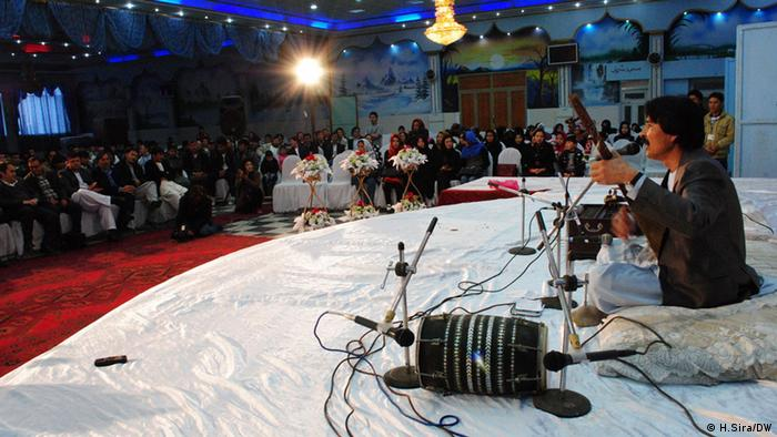 The photos indicate a music concert held in Kabul on 24th March in order to support the treatment of drug-addicted people. Photo: Hussain Sira / DW