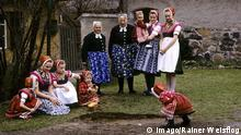 Ostern Sorben Bräuche Eierrollen in Lausitz