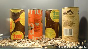 Vier Dosen mit Malzkaffee aus der ehemaligen DDR