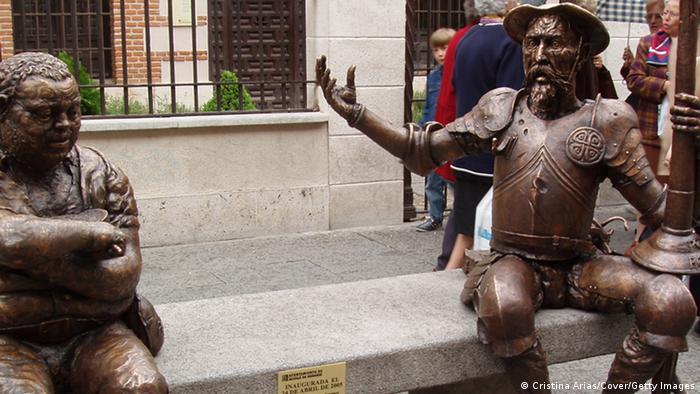 Spanien Statue von Don Quijote in Alcala de Henares Geburtstadt von Cervantes