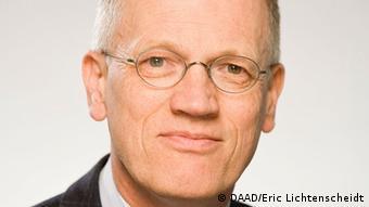 Portrait of Ulrich Grothus from the German Academic Exchange Service (DAAD). (Photo: DAAD/Eric Lichtenscheidt)