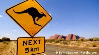 An Australian road sign bearing an image of a kangaroo © Bernd Leitner