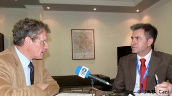 Bernd Borchardt od veljače predsjeda EU-misijom na Kosovu. Na slici s našim reporterom Bahrijem Canijem