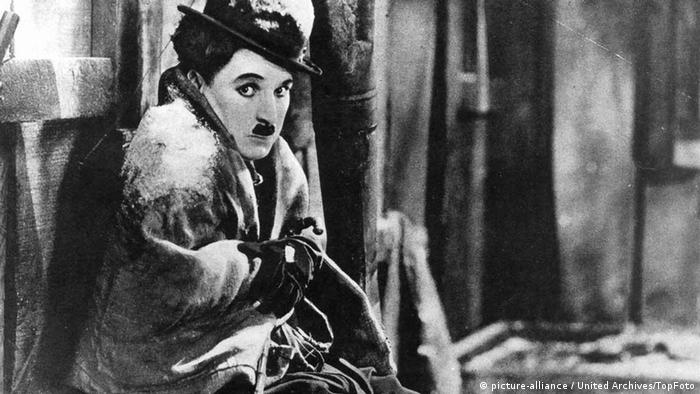 Charlie Chaplin in Gold Rush (picture-alliance / United Archives/TopFoto)
