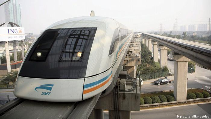 China Transrapid in Shanghai (picture-alliance/dpa)