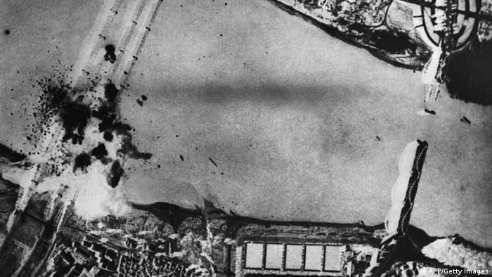 Korea Krieg 1950 US Flugzeug Bomben
