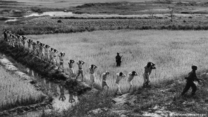 Korea Krieg 1950 gefangene Soldaten Nordkorea