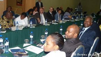 Sociedadede civil moçambicana na apresentação do terceiro relatório de transparência na indústria extrativa, em Maputo