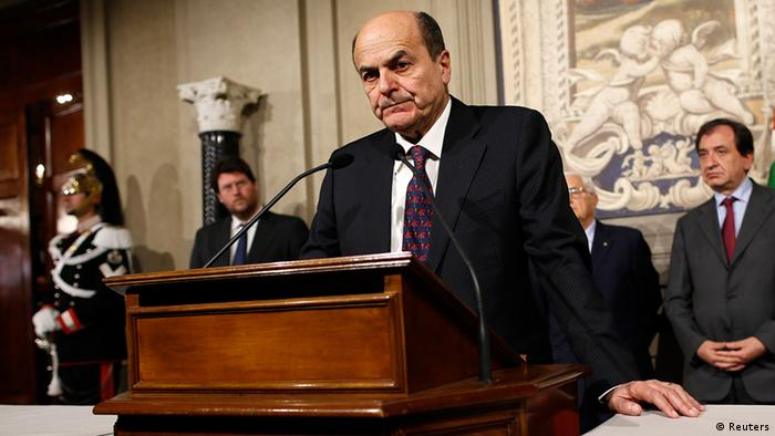 Italy's PD (Democratic Party) leader Pierluigi Bersani speaks during a news conference following a meeting with Italian President Giorgio Napolitano at the Quirinale Presidential palace in Rome March 28, 2013. REUTERS/Tony Gentile (ITALY - Tags: POLITICS)
