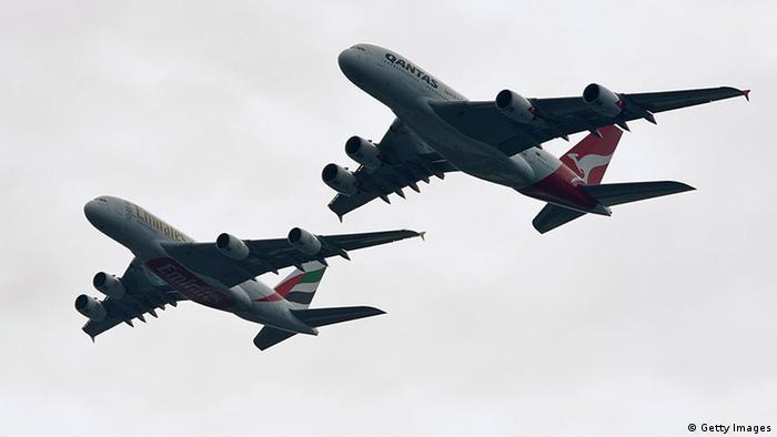 Airbus A380 von Qantas und Emirates über Sydney