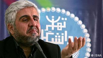 فرهاد رهبر، رئیس برکنارشده دانشگاه تهران و از نزدیکان محمود احمدینژاد