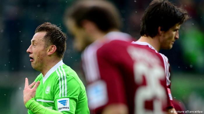 Olic freut sich über seinen Treffer im Spiel gegen Nürnberg. Foto: dpa