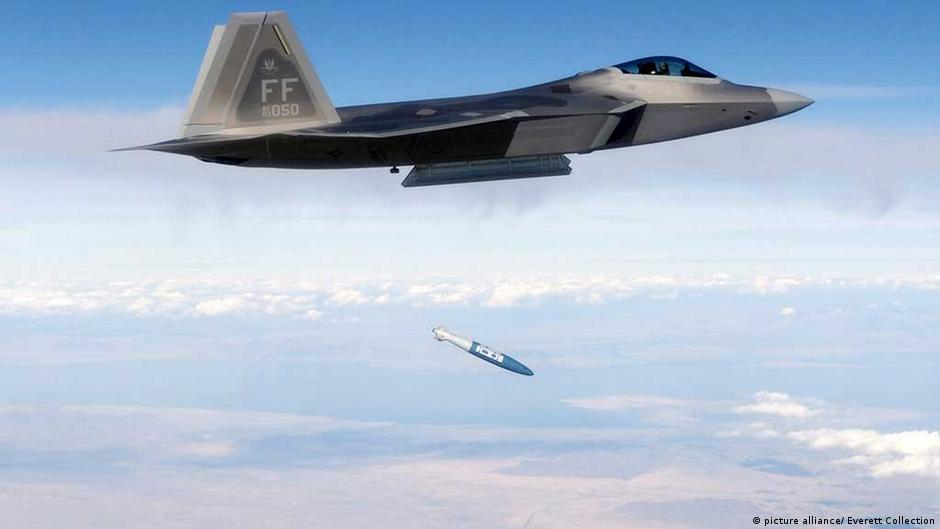 US fighter jets to South Korea as tensions rise with North   DW   01.04.2013