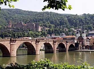 El Néckar concede a Heidelberg un ambiente romático.