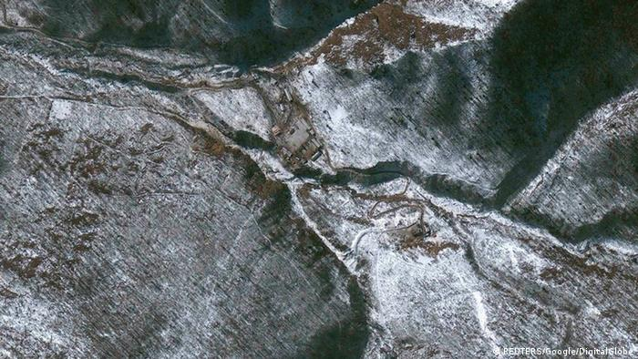 View of a suspected nuclear test facility in North Hamgyong province, North Korea is seen in this January 29, 2013 satellite image courtesy of Google/DigitalGlobe. REUTERS/Google/DigitalGlobe/Handout (NORTH KOREA - Tags: POLITICS SCIENCE TECHNOLOGY) NO SALES. NO ARCHIVES. FOR EDITORIAL USE ONLY. NOT FOR SALE FOR MARKETING OR ADVERTISING CAMPAIGNS. THIS PICTURE WAS PROCESSED BY REUTERS TO ENHANCE QUALITY. AN UNPROCESSED VERSION WILL BE PROVIDED SEPARATELY. MANDATORY CREDIT