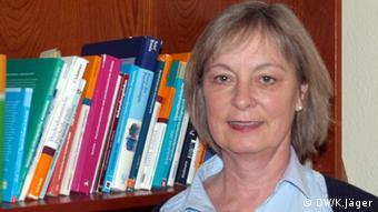 Diplom-Psychologin Annette Lemler-Lauerbach vom Bonner Zentrum für Esstörungen e.V., *** Foto: Karin Jäger/ DW 02.04.2013