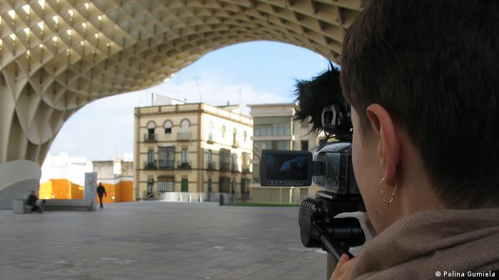 A still from the short film Plaza de la Encarnacion by Polina Gumiela