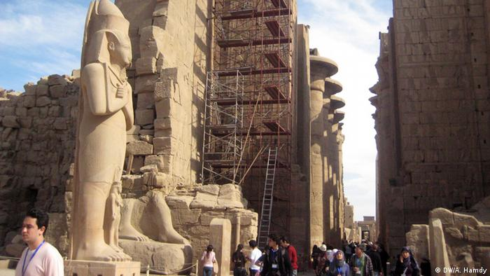 Main title: Iranian tourism to Egypt ..Between the tourism recovery and fears of Shiism Photo title: Karnak temple is a very famous temple that toursits visit in Luxor. Place: Luxor, Egypt Copyright: Ahmed Hamdy