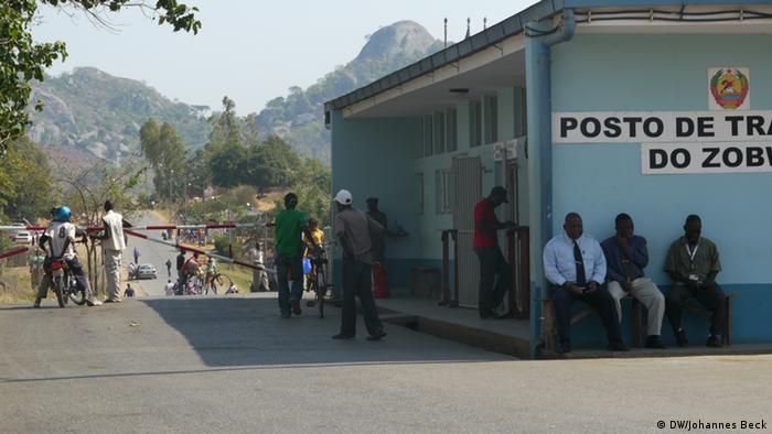 Grenze zwischen Mosambik und Malawi in Zobue