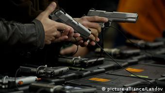 Waffen USA Verkauf Verschärfung der Waffengesetze 2013 (picture-alliance/Landov)