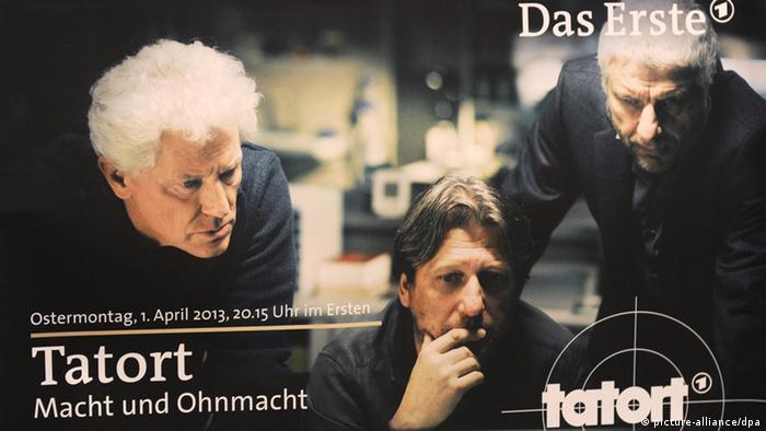 Das Ankündigungsplakat zum BR-Tatort Macht und Ohnmacht mit Schauspieler Miroslav Nemec (l-r), Michael Fitz und Udo Wachtveitl