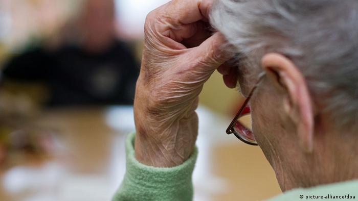 Demenz Alzheimer Symbolbild