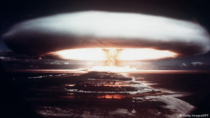 Teste atômico francês em Muroroa, Polnésia Francesa