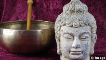 Buddha Kopf und Klangschale