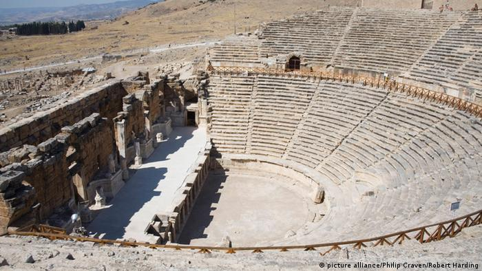 Amphitheater von in der Türkei (picture alliance/Philip Craven/Robert Harding)