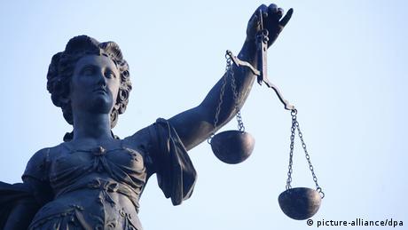 Justice statue (picture-alliance/dpa)