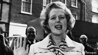 Mrs. Margaret Thatcher, in front of property in London (Photo: AP Photo/Dear)