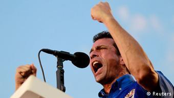 انریکه کاپریلس، رهبر اپوزیسیون اعلام کرد که نتیجه انتخابات را به رسمیت نمیشناسد