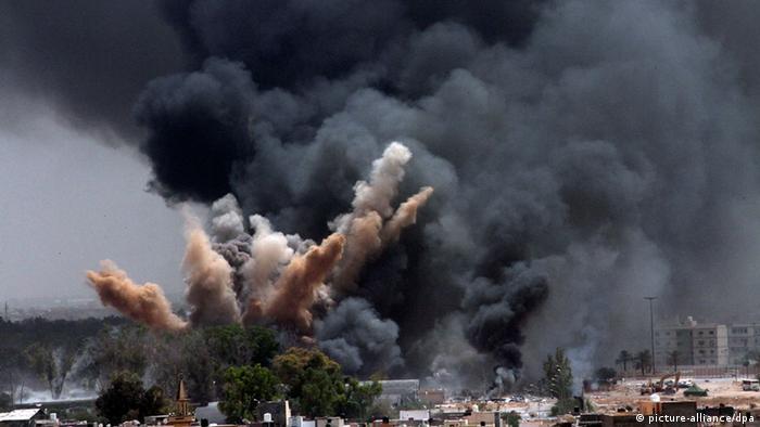 Explosions à Tripoli en juin 2011 après des frappes de l'Otan