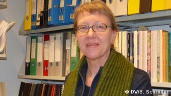 Portrait of Meike Hoffmann who leads the databank for<br /> Freie Universität Berlin<br /> Copyright: DW/B. Schröder
