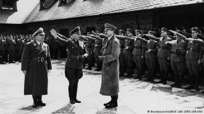 Адольф Гитлер в Фогельзанге в 1937 году. Фото из Федерального архива Германии