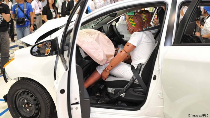 Дві різні проблеми із подушками безпеки у авто Toyota і Honda призвели до відкликання більше 6 мільйонів машин