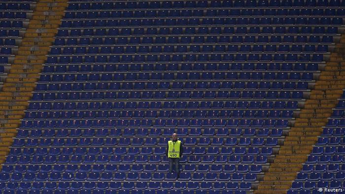 Das leere Stadion von Lazio Rom. Zuschauer waren nicht zugelassen. Foto: REUTERS/Max Rossi