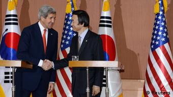 U.S. Secretary of State John Kerry (L) and South Korean Foreign Minister Yun Byung-se shake hands during their news conference at the foreign ministry in Seoul April 12, 2013. (Photo: REUTERS/Lee Jae-Won)