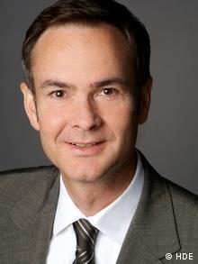 Kai Falk, de la Asociación Alemana de Comercio (HDE).