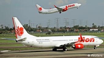 Symbolbild Bali Indonesien Lion Air Flugzeug
