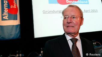 Бывший лидер большого бизнеса Ханс-Олаф Хенкель на учредительном съезде АДГ