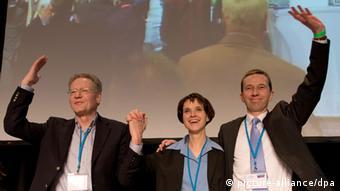 Προβληματίζει η ίδρυση του κόμματος «Εναλλακτική για τη Γερμανία» που ζητά την έξοδο της χώρας από το ευρώ